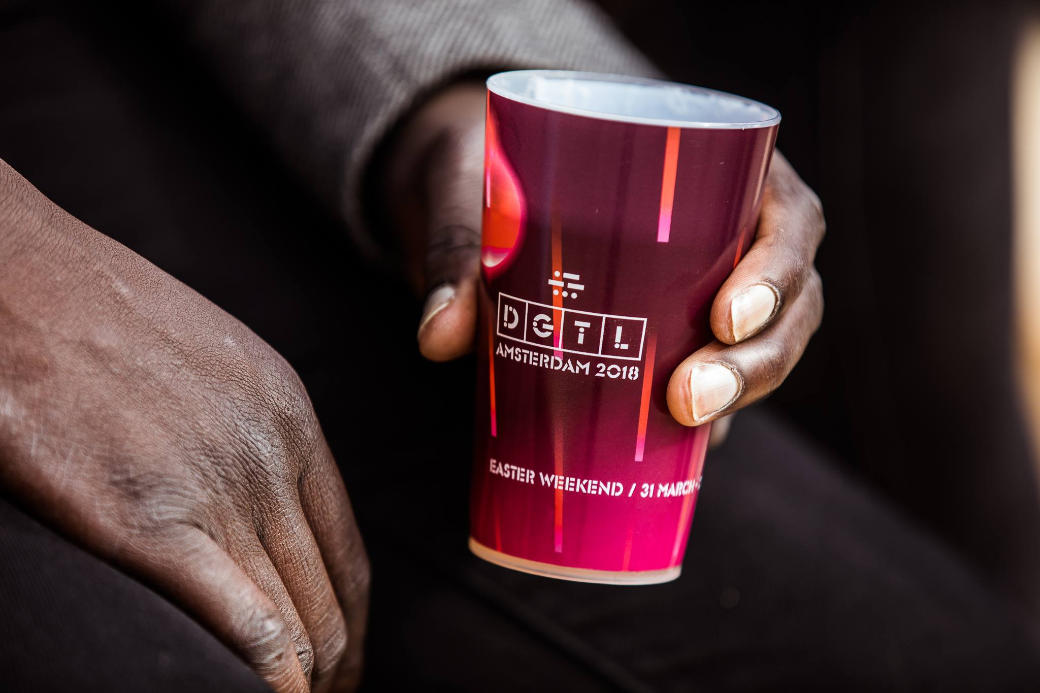 Festival goers are asked to pay a deposit for their cup, which incentivises them to return it instead of throwing a single-use cup on the ground after use. Photo by DGTL