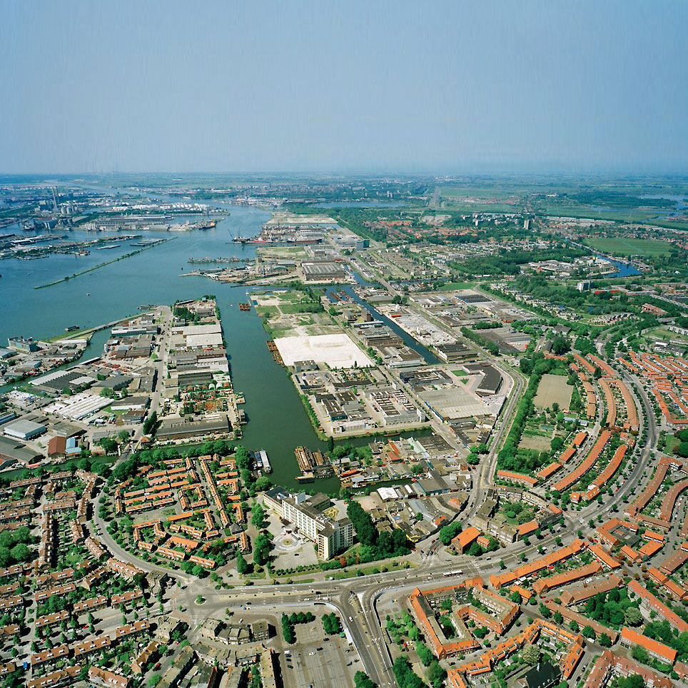 An aerial photo of Buiksloterham, a former brownfield site transitioning to a circular neighbourhood in Amsterdam.
